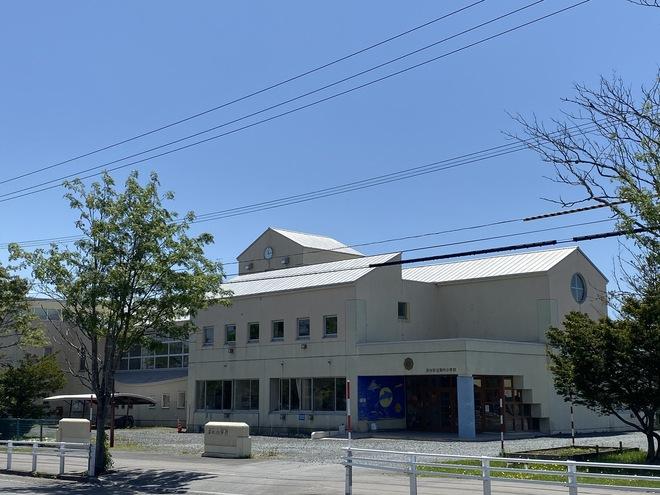 内 小学校 黒